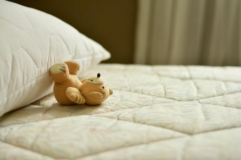 mattress-2489615_1280